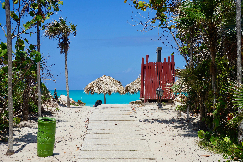 Salida a la playa del Hotel   Cayo de Santa María.  Cuba.