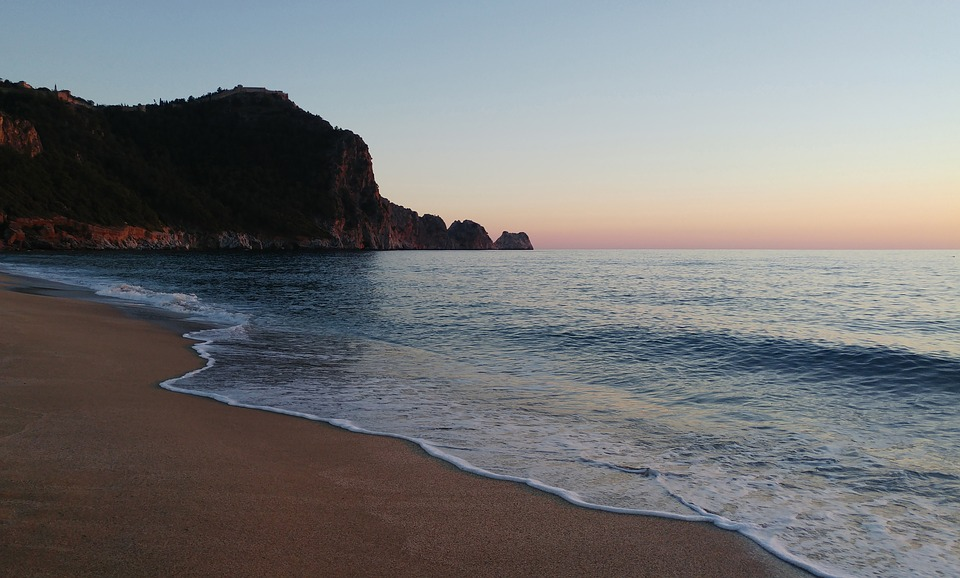 Antalya. beach-2357321_960_720
